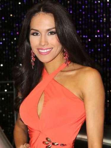 La mexicana de 23 años, hace parte del grupo de Lupita Jones. Bárbara Falcón, se abre camino en la competencia y hace parte de las finalistas luego de bailar un estilo muy moderno al lado de Maxi Iglesias. Es soltera y su talento es la actuación.