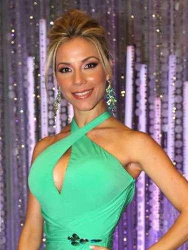 La cubana Odaray Prats Molina, es una de las participantes que consiguió un puesto para la final a pesar de un escandaloso beso que protagonizó durante esta gala. Ella hace parte del equipo de Julián Gil, tiene 27 años, es soltera y asegura que su talento especial es ser Bailarina del Ballet Nacional de Cuba