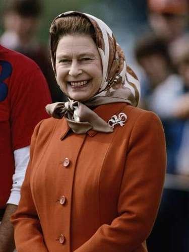 En los 80  los peinados con volumen volvieron a incorporarse a las cabezas de mujeres de todo el mundo. En su mismo país, la propia Reina Isabel II lo hizo y lo ha mantenido hasta hoy.