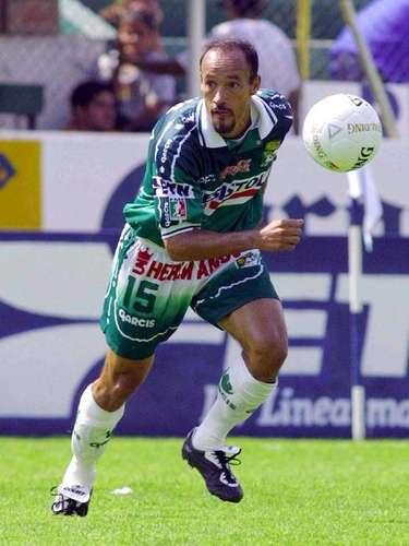 Misael Espinoza era el ídolo de aquel equipo esmeralda