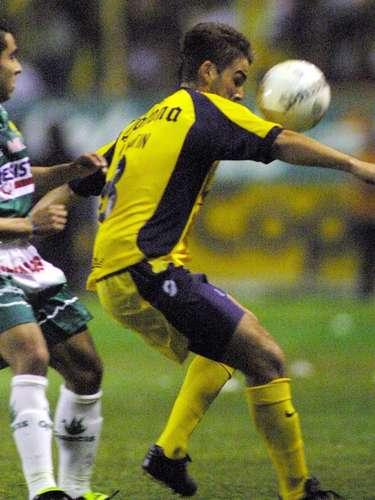 Marcelo Lipatín fue el autor del gol con el que América derrotó 1-0 a León, la última vez que se enfrentaron antes de que el cuadro esmeralda descendiera, en duelo celebrado en el estadio Nou Camp, en el torneo Verano 2002.
