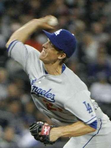 Greinke bajó su hombro izquierdo (el de no tirar) y llevó la peor parte del golpe. Greinke se unió a los Dodgers como agente libre en la temporada baja, al firmar un contrato por $147 millones y seis años. Perdió parte de la pretemporada por problemas en su codo. Quentin está de regreso tras someterse a una cirugía de su rodilla derecha.