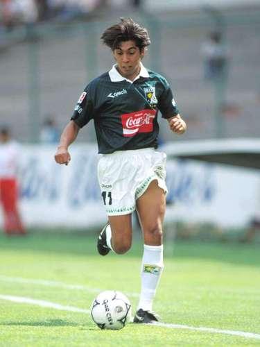 Damián Álvarez militó con León de la campaña 1995-96 al Verano 97, mientras con América jugó del Invierno 98 al Verano 2000
