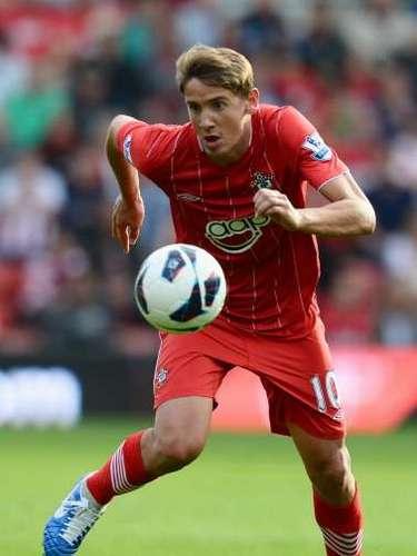 El verano anterior fue fichado por el Southampton, entonces recién ascendido a la Premier League.