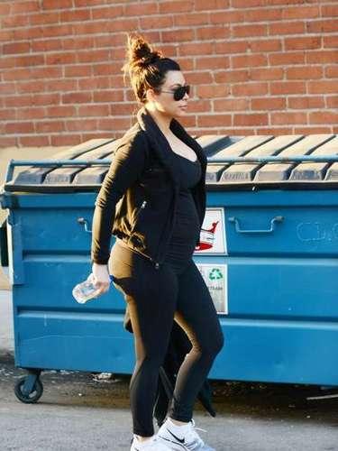Durante todo el embarazo Kim, ha sido constantemente criticada por el exceso de peso que ha ganado en estos meses y por la adicción a la fiestas pese a su estado