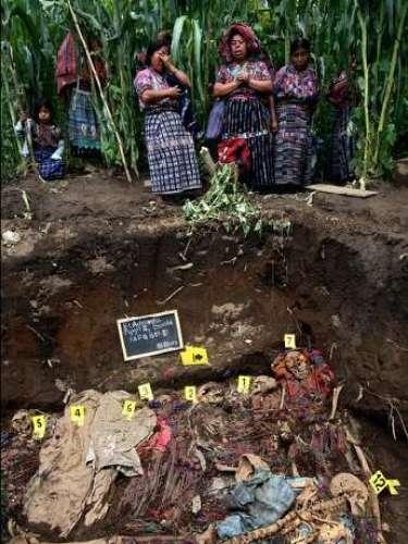 Exhumaciones de la guerra civil en Guatemala. 2005/2011