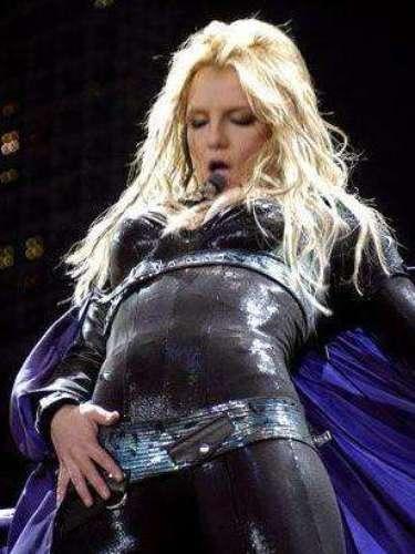 Britney Spears está orgullosa de su cuerpo, por eso lo recorre sin parar cuando va dar un show.