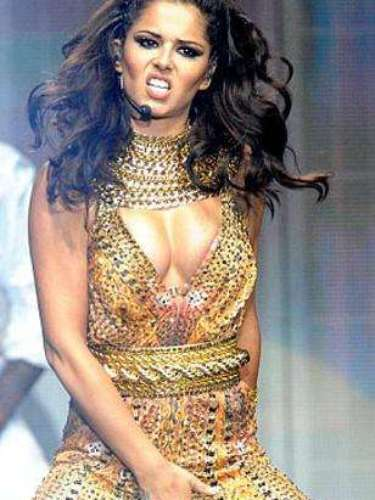 De esta manera, Cheryl Cole pone de cabeza a más de un caballero.
