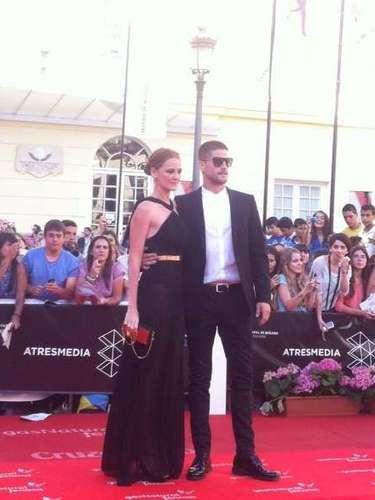Los actores Ana María Polvorosa y Luis Fenández, uno de los primeros en aterrizaren la alfombra roja de Málaga.