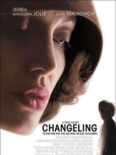 'El intercambio' (2008) le proporcionó a Angelina Jolie una nueva candidatura al Oscar y la oportunidad de demostrar sus cualidades interpretativas en el papel de una madre soltera cuyo hijo desaparece un día sin dejar rastro. La búsqueda durante años del pequeño le sirve a Clint Eastwood para trazar una radiografía de los oscuros mecanismos del poder. El film está basado en hecho reales.