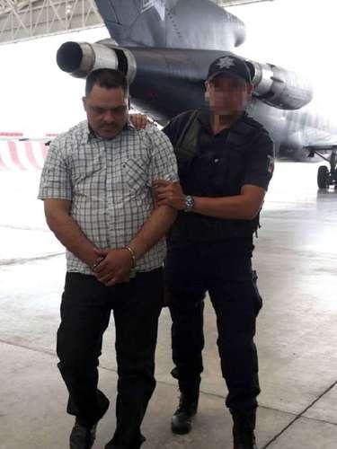 En conferencia de prensa, Eduardo Sánchez, Subsecretario de Normatividad de Medios de la Segob, dijo que Coronel Barrera es presunto responsable de delitos contra la salud y producción de mariguana, en la sierra de Durango, además traficar droga hacia el estado de Arizona, EU.