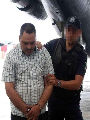 La captura de Inés Coronel no se dio por orden de aprehensión, sino que fue sorprendido en flagrancia con armas largas y droga, dijo Segob.