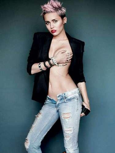 La actriz y cantante Miley Cyrus está empeñada en despojarse de su imagen de Chica Disney.