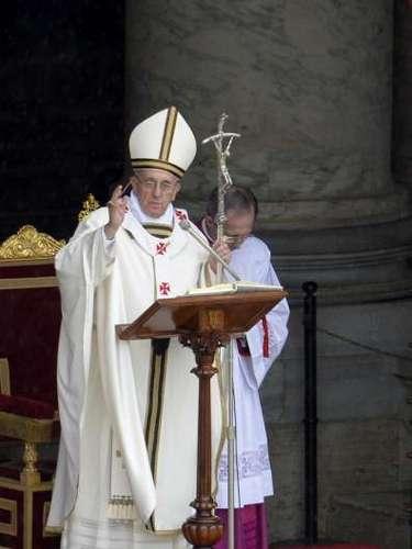 Durante su discurso dominical de la Santa Misa de Cofradías, ofrecida a los fieles este domingo 5 de marzo desde la Plaza de San Pedro en el Vaticano, el pontífice latinoamericano pidió al prefecto de la Congregación para la Doctrina de la Fe, monseñor Gerhard Muller, \