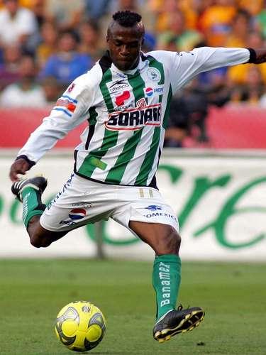 Christian Benítez fue campeón con Santos Laguna en el Clausura 2008 y en el 2009 dejó al club para probar suerte en el futbol europeo.