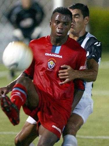 Christian Benítez debutó con El Nacional de Ecuador en el 2002.