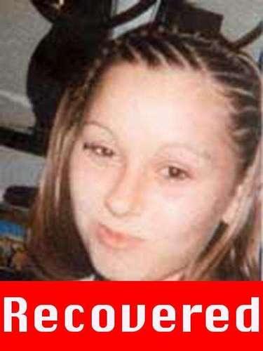 Amanda Berry fue vista por última vez cuando estaba por cumplir 17 años el 21 de abril de 2003. El secuestrador fue identificado por Berry como Ariel Castro en la llamada que hizo al 911 y dijo que era hispano. Berry fue secuestrada cuando salía de trabajar de un Burger King cerca de su casa en Cleveland y aparentemente aceptó que la llevaran porque no tenía auto. Berry tuvo una hija en cautiverio.