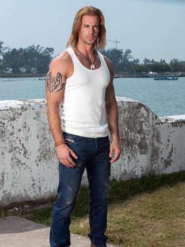 El actor cubano William Levy regresa a los melodramas mexicanos con un cambio de look para interpretar al 'Capitán Damián Fabré'.