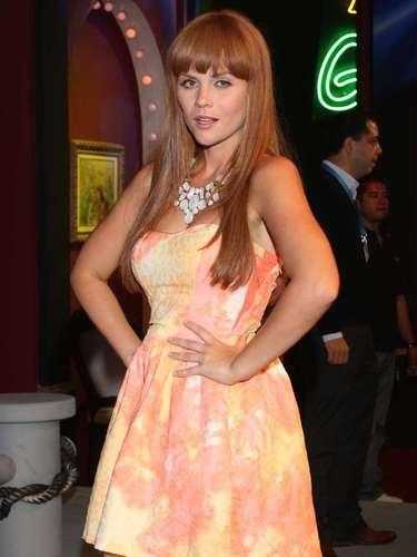 La actriz estadounidense Laura Carmine será la antagonista de la historia al interpretar a 'Esthercita Mata', una joven caprichosa y prepotente que está locamente enamorada de 'Damián Fabré'.