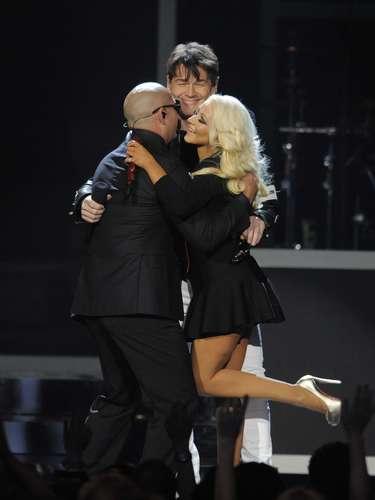 Al finalizar su participación, el dueto que se convirtió en trío fueron de los más aplaudidos de la noche de los Billboard Music Awards 2013.