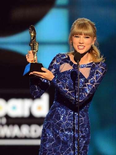 Taylor Swift, máxima ganadora de la noche,obtuvo la victoria dentro del reglón \