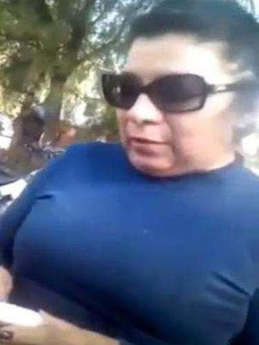 #LadyCelaya, una mujer en estado de ebriedad que presumía ser abogada y trabajar para Armando Amaro Vallejo, Subprocurador de Justicia del estado atropelló a una persona e intentó darse a la fuga.