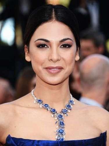 La gargantilla de la actriz Moran Atias llamó la atención por sus lujosos diamantes zafiro.