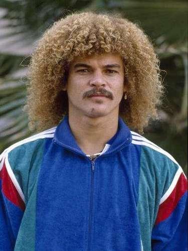 4. Inicios en el profesionalismo: Debutó en Unión Magdalena en 1981. Después jugó en Millonarios en 1984, equipo en el que no tuvo mayor figuración ya que el técnico de entonces Jorge Luis Pinto lo puso a jugar muy poco.