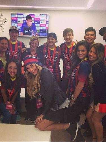 Rafaella poses with Neymar's girlfriend Bruna Marquezine and his friends during the presentation of the soccer sensation as new Barcelona player.