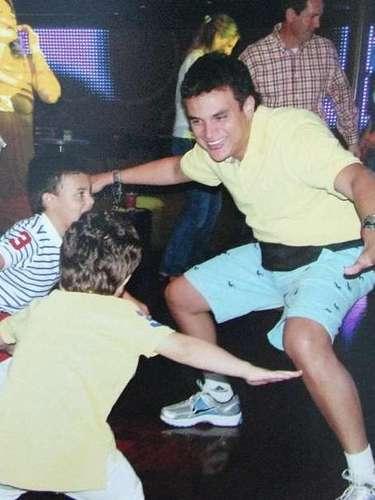 Silvestre no duda en compartir en su cuenta de Instagram fotos de sus hijos y de los momentos que comparte junto a ellos.
