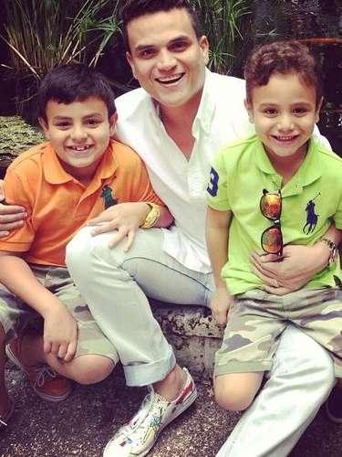 Silvestre dice que la vida le ha enseñado que el respeto es la pieza fundamental para un hogar y como papá debe inculcarlo a sus hijos.