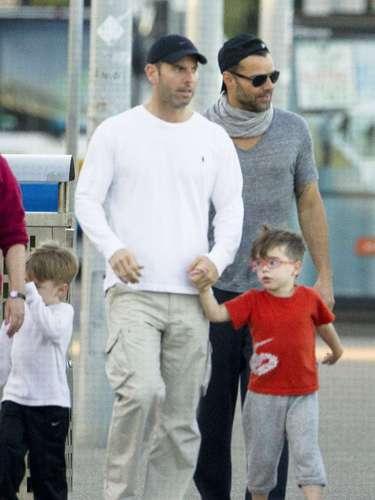13 de Junio - Ricky Martin pasea en familia con sus hijos y su pareja Carlos González por Australia donde se tomó unos días libres de las grabaciones de 'The Voice Australia'