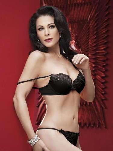 Lourdes, quien dijo estar orgullosa de que la belleza no la abandona, y todo el equipo de Playboy se trasladaron hasta San Miguel Allende para realizar la sesión de fotos que estuvo dirigida por Uriel Santana.