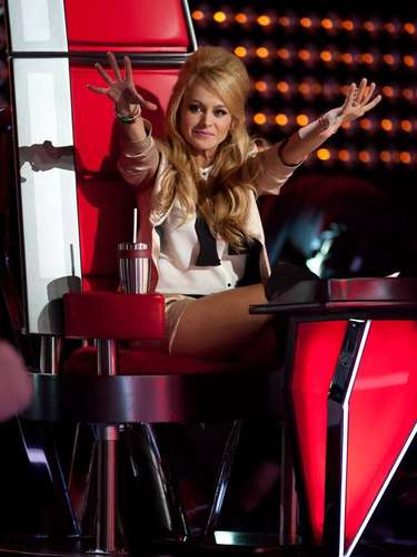 La cantante Paulina Rubio debutó como asesora de este tipo de programas durante la segunda edición de 'La Voz... México'.