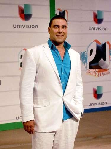 Eduardo Yáñez fue uno de los presentadores junto con Érika Buenfil. ¿No les parece un poco 'madurito' para tan juvenil evento?