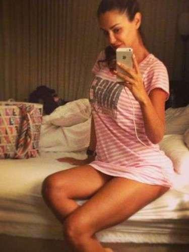 Ninel Conde no para de presumir sus encantos en las redes sociales. Ahora la cantante compartió una foto en la que se deja ver bien sexy antes de acostarse a dormir.