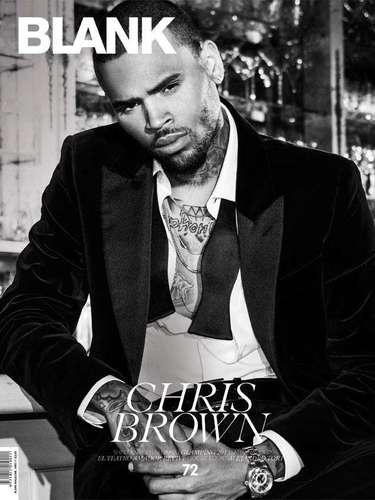 1 de Agosto -El cantante y ex novio de Rihanna, Chris Brown posa muy sexy en la revista Blank donde habla de sus escándalos y cómo ha sido sobrevivir ante el amor/odio del público.