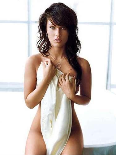 Megan posó sugerentemente en numerosas revistas dirigidas al público masculino y lo hizo con bastante éxito.