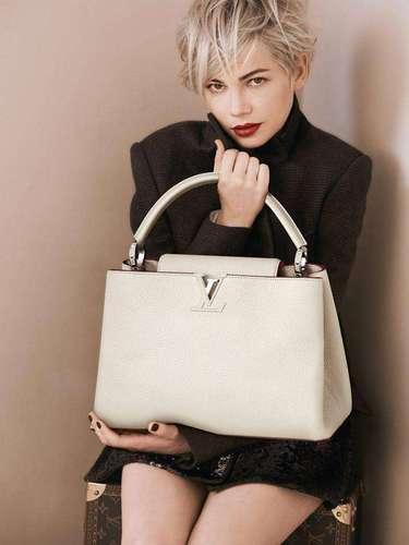 14 de Agosto - Michelle Williams posa sexy en la nueva campaña de la lujosa marcaLouis Vuitton donde se ve elegante y sofisticada. ¡Guapísima!