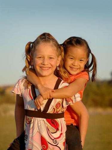 Los Romeros devueltos a Arizona hace dos años y ahora Venessia tienen en la escuela a Josie y Jade.