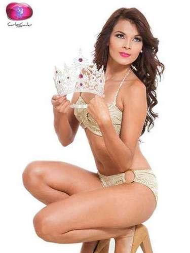 Ella se adueñó del títulonacional de belleza Nuestra Belleza Universo el Salvador 2013 entre16candidatas más.