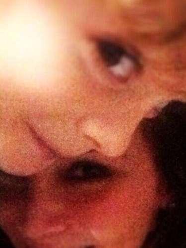 21 de Agosto - Elizabeth Gutierrez publicó esta tierna foto junto a su hijo en la cual ella confirma que 'alguien extrañó a su mami'.