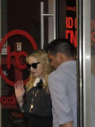 Madonna aprovechó su paso por Roma (Italia) para darse un paseo por su gimnasio \
