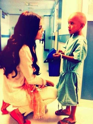 21 de Agosto - Ximena Navarrete visitó un hospital de niños enfermos en Veracruz donde la ex Miss Universo convivió con ellos dándoles palabras de aliento.