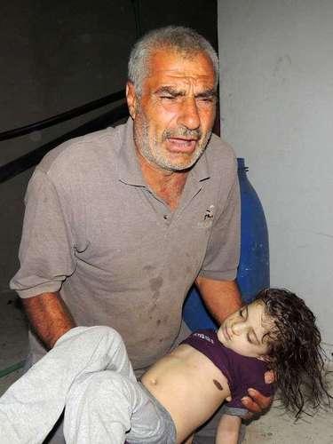 El drama de la muerte de niños en Siria se continúa viviendo. Muchos de sus habitantes exhortan al gobierno que se pronuncie a favor de la paz.