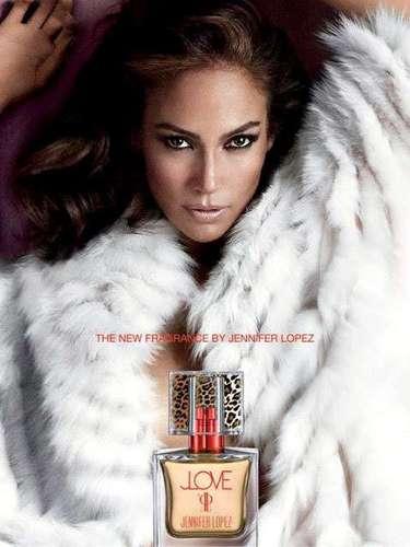 Jennifer López. Para el otoño de 2013 la celebridad la celebridad puso en el mercado su fragancia número 20, denominada 'JLOVE', una aroma único con el que la cantante se identifica pues considera que el amor es parte de ella y es lo que inspira su carrera.