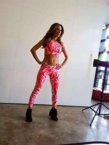 3 de Septiembre - Geraldine Bazán muestra su cuerpo a sus tres meses de embarazo. La actriz está finalizando las campañas publicitarias de las cuales es imagen antes de que su pancita empiece a notarse más