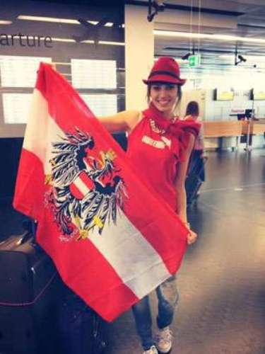Toda la emoción e ilusión de Miss Austria por representar a su país en el próximo Miss World y traerse la corona.