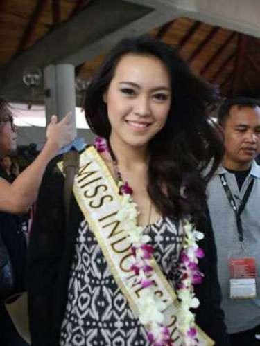 Y la concursante local, también se muestra feliz por el inicio del certamen.