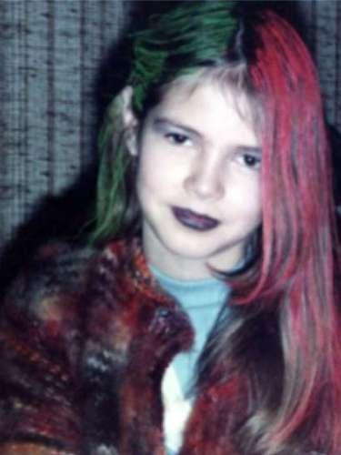 Heidi Klum sorprendía a sus seguidores en Instagram publicando una fotografía de cuando tenía 9 años, en la que estaba de lo más moderna con el pelo teñido.